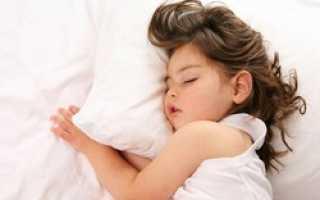 Сколько должен спать ребенок в год