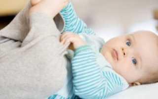 В каком возрасте ребенок переворачивается на живот