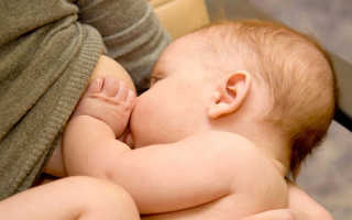 Во сне кормила младенца грудным молоком